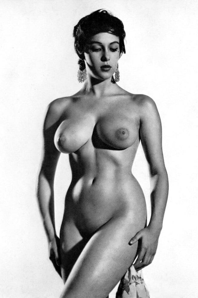 Curvy vintage nude, hot naked amateur high school girls