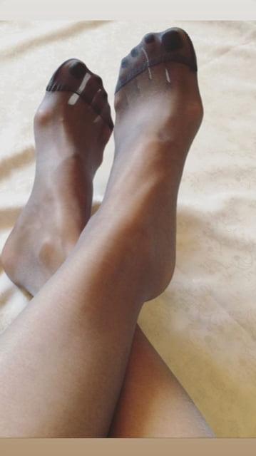 Nylon feet fetish pictures