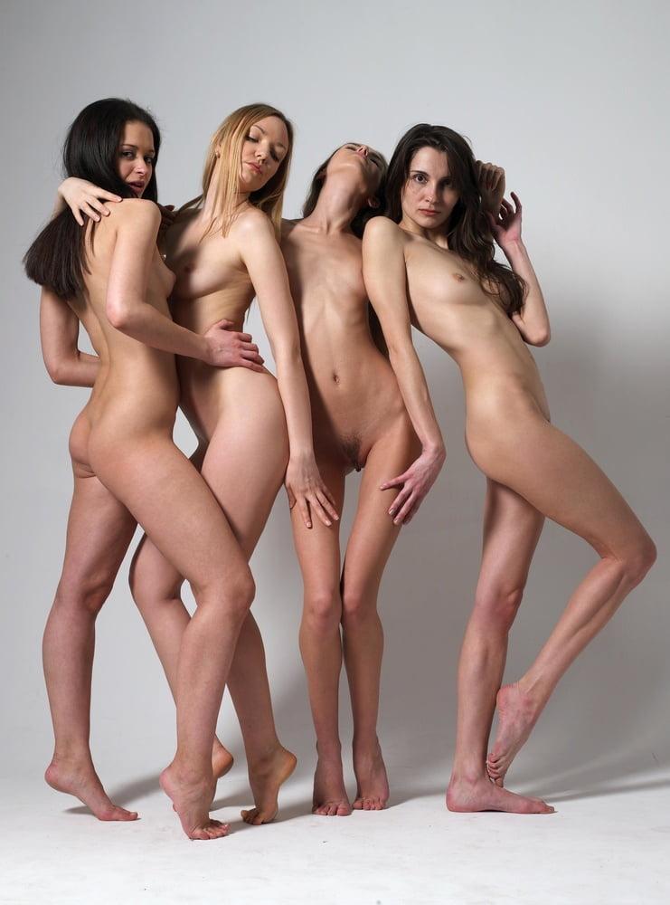 Манекенщицы голые видео смотреть, сочные мясистые телки фото