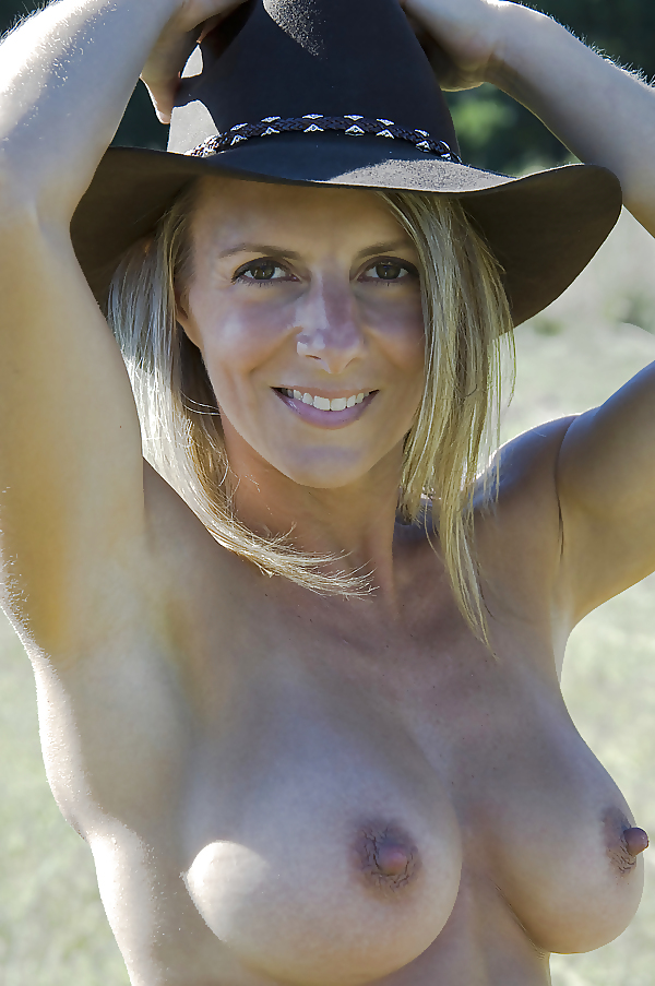Country x nude free porn