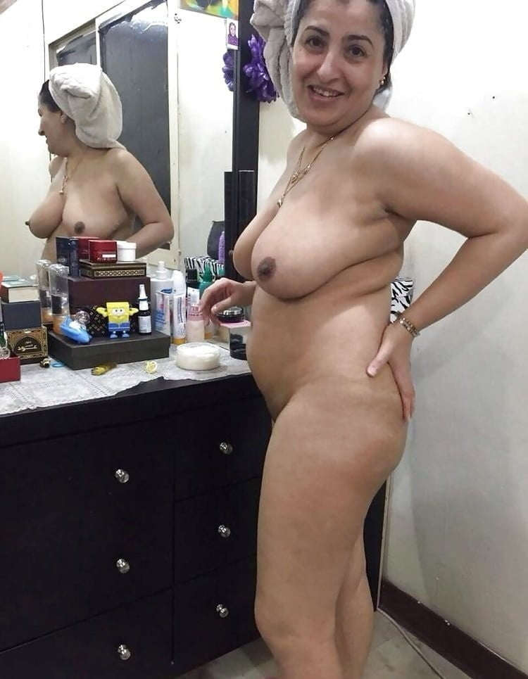 Full nude aunty photo