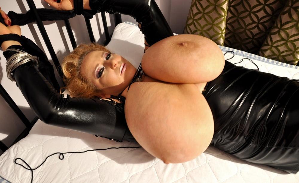 Xxx huge black tits-4308