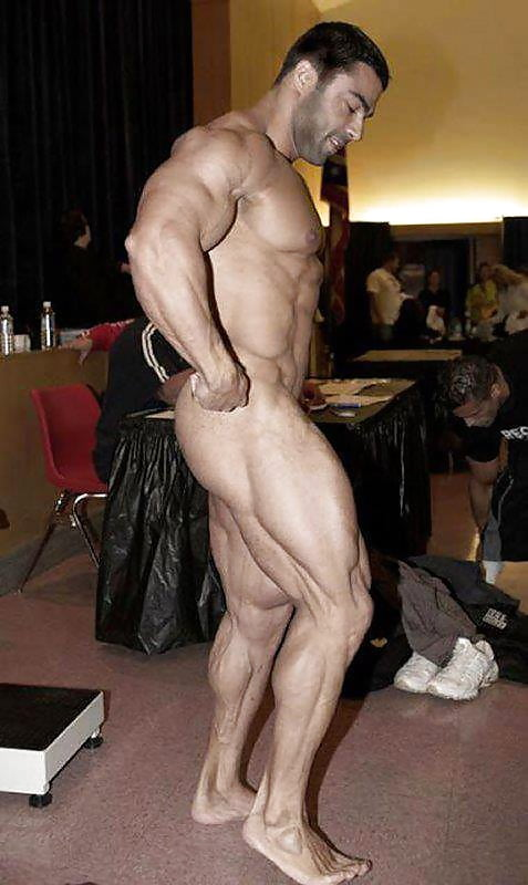 becoming-male-muscle-body-fetish-blog