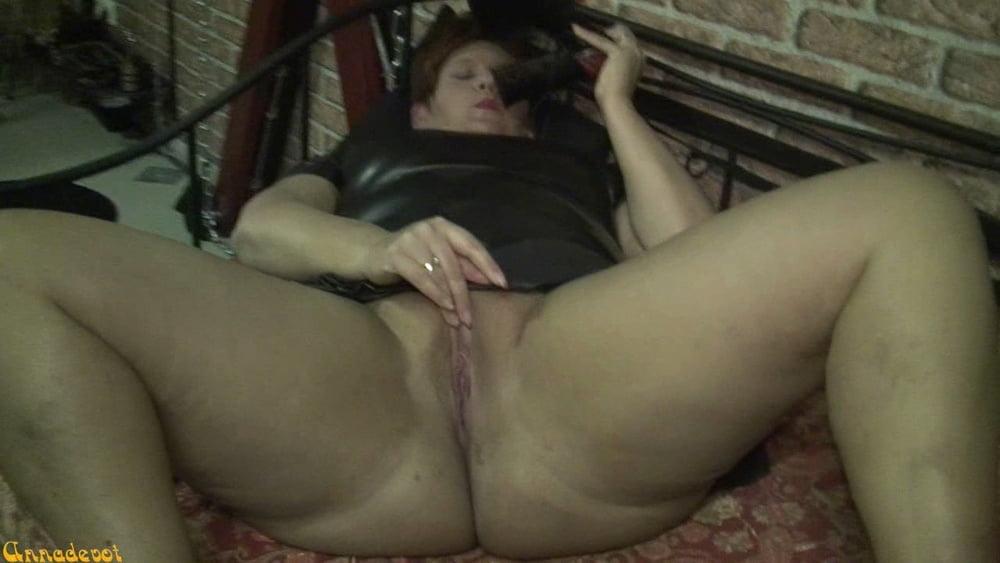 Masturbating With PUMPS GOTHIC - 15 Pics