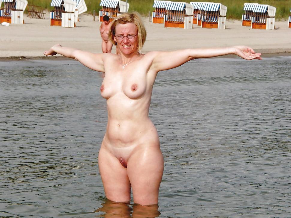 black-mature-nudist-women-resort-nude