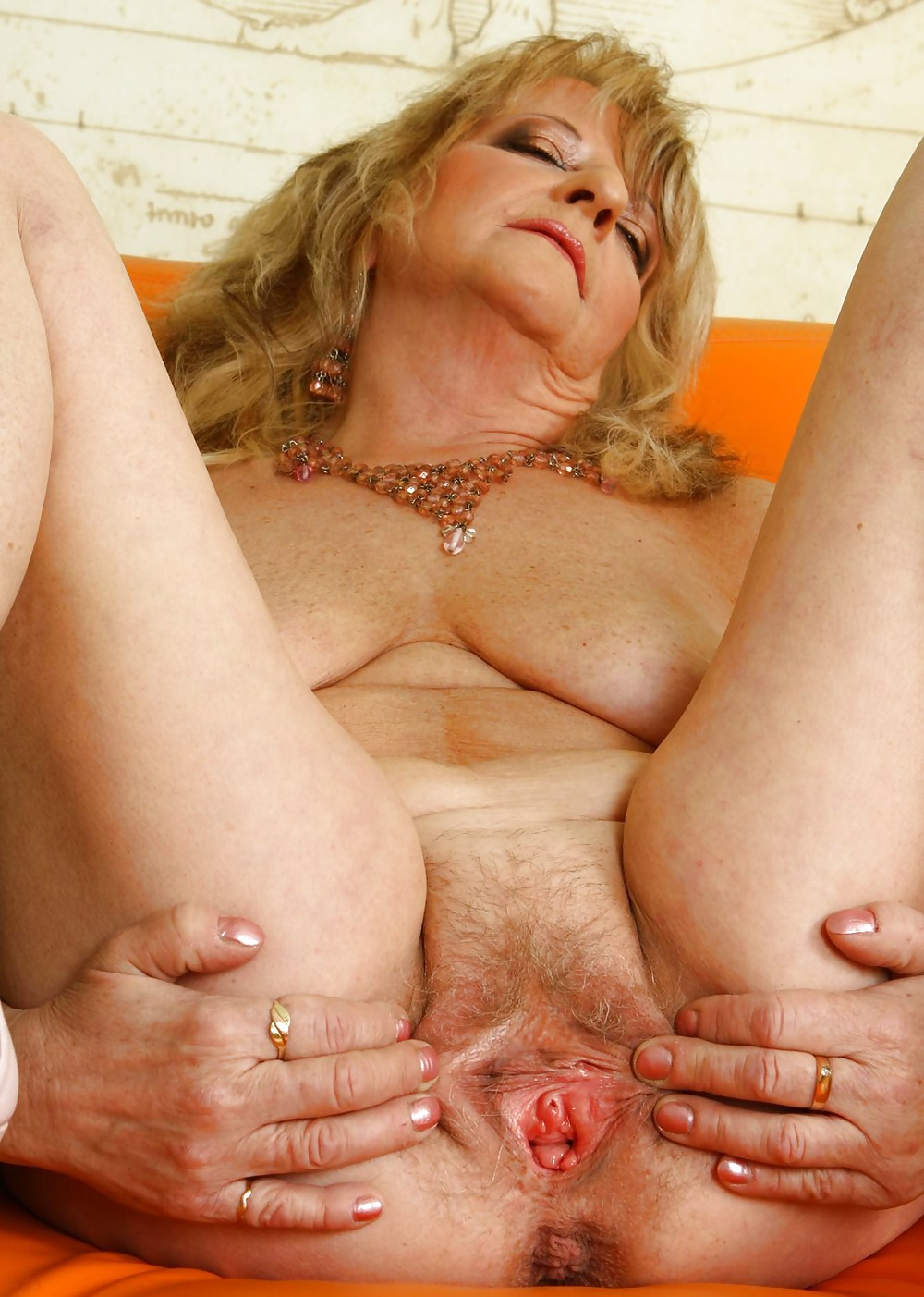 Old women pussy pics