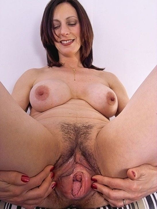 Mature Woman Michelle Gaia Spreads Her Shaved Older Woman's Pussy