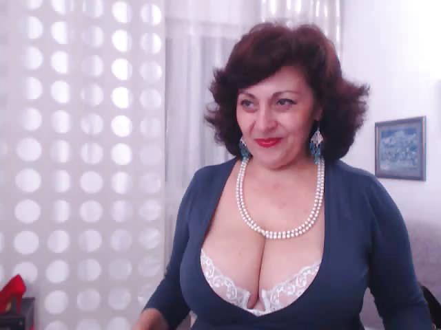Big boobs mature cam