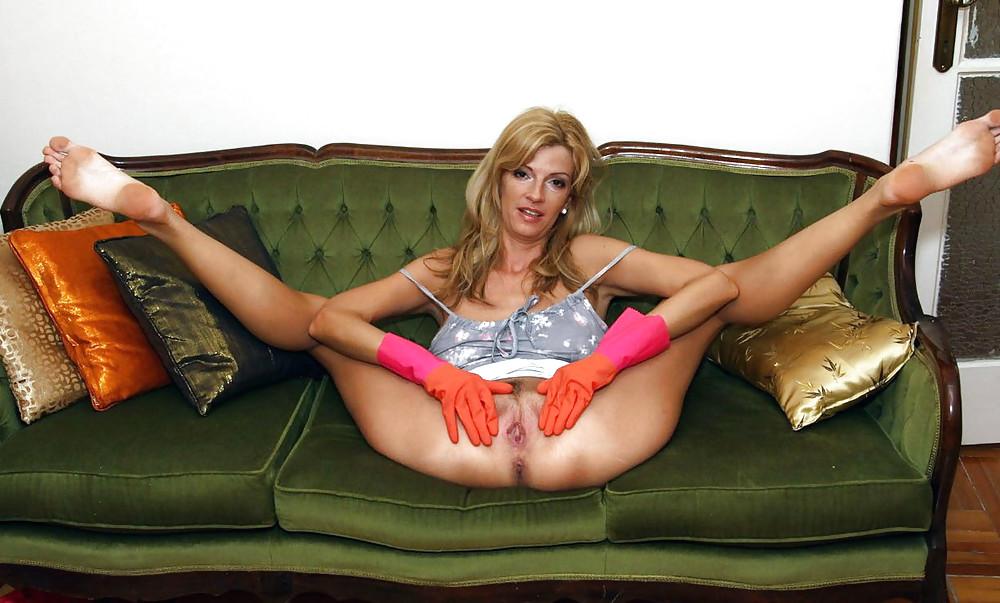 Pictures Of Teen Girl Hanna S Honeypot Spreading Her Legs Wide Open Coed Cherry
