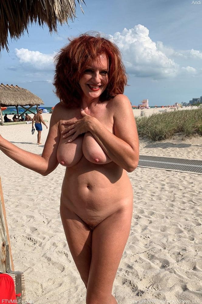 nackt strand bild