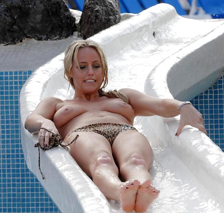 boob slip Waterpark
