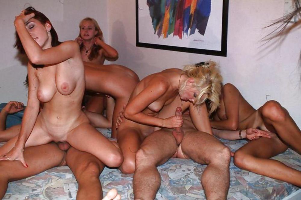hot-swinger-groups-in-virginia-uniform-girls-lesbian