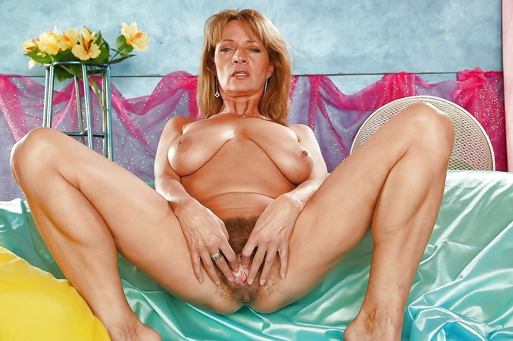 Milf sexy old women