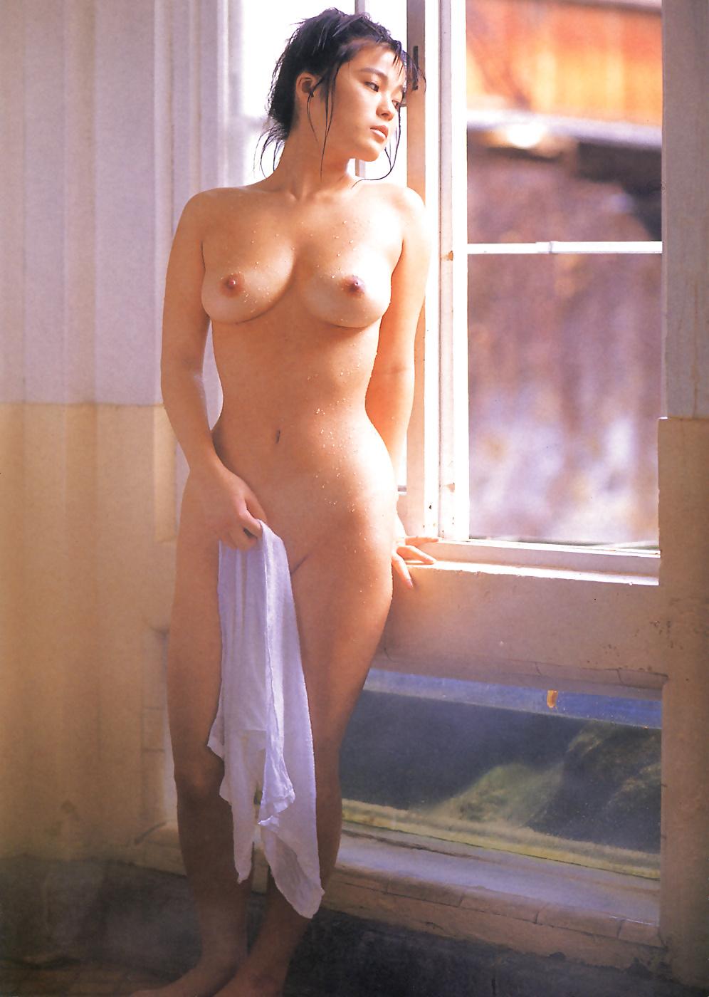Обнаженное фото дарьи волга, соблазн в чулках секс видео губы накрашенные