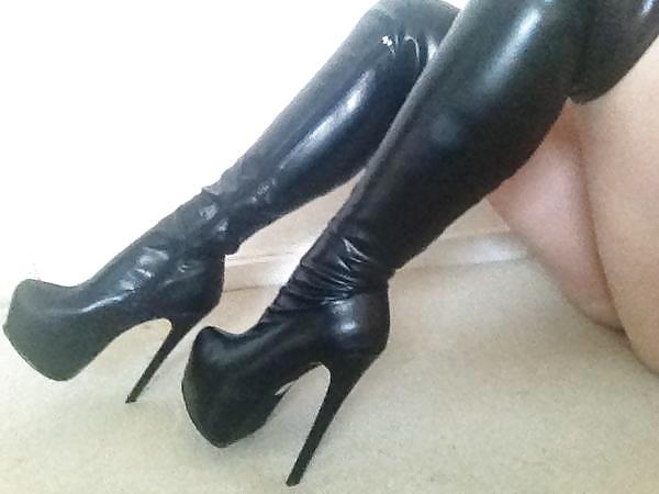 ballbusting heels