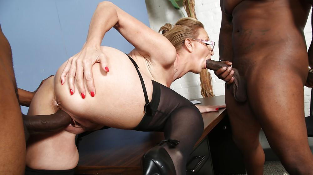 Cougar and black cock porn