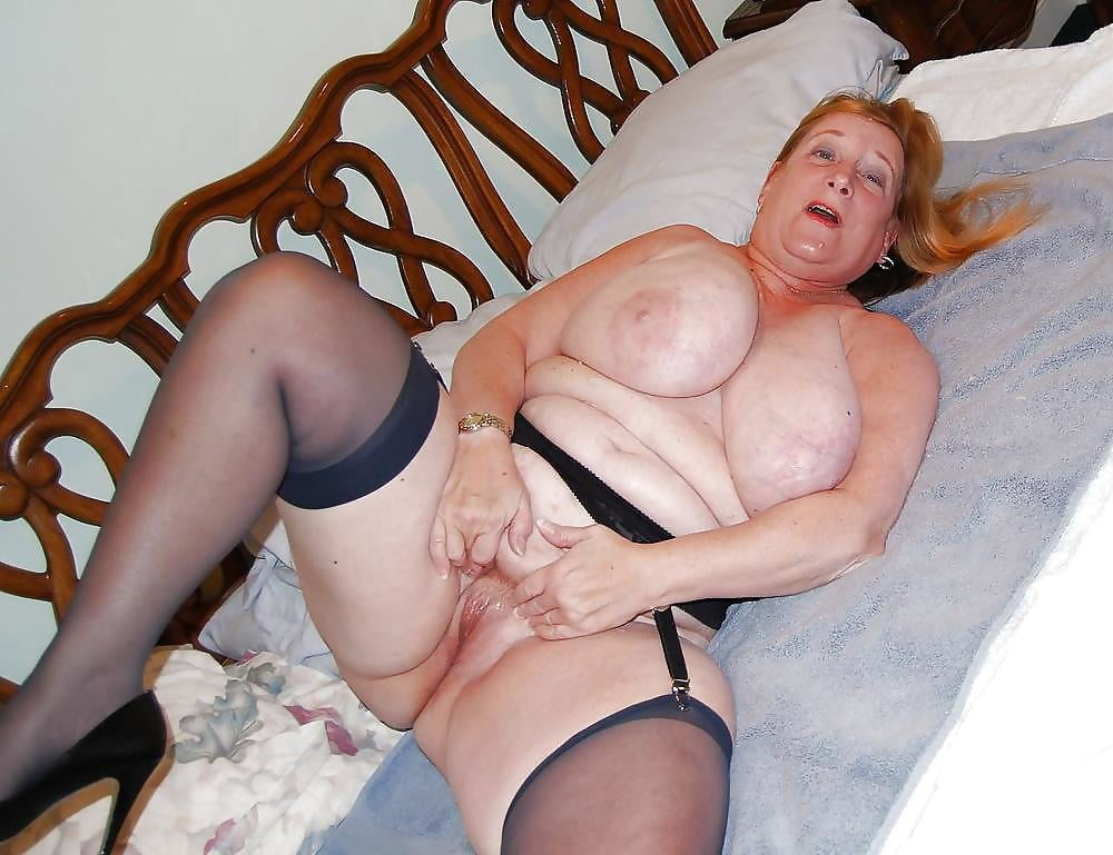 British bbw granny gets her ass fucked for cash