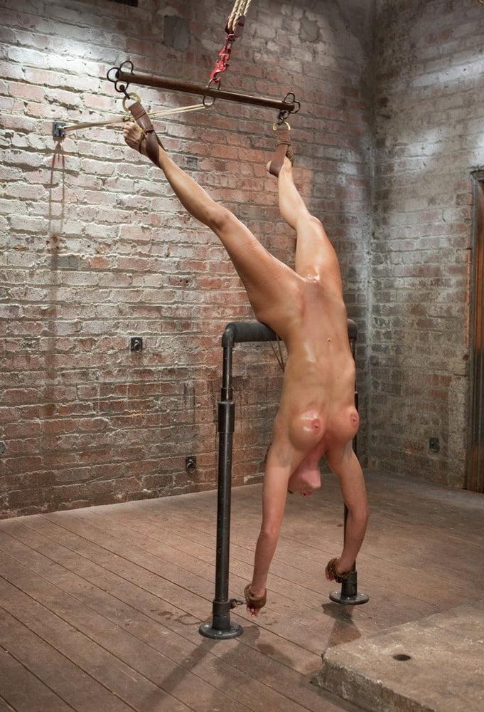 girls-xxx-suspended-nude-girl-vegina-nude