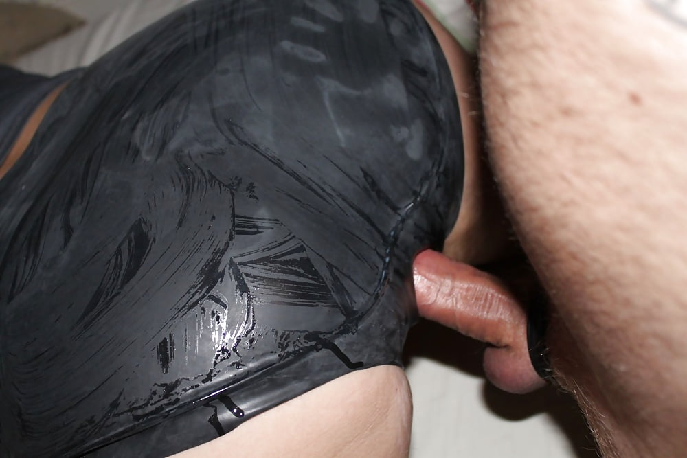 Blog latex crotchless panties