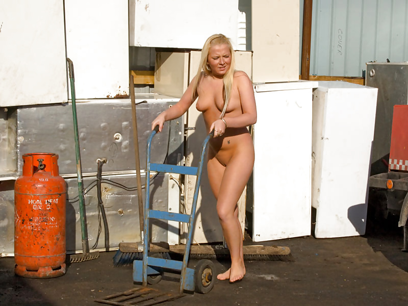 Naked girls working out nude