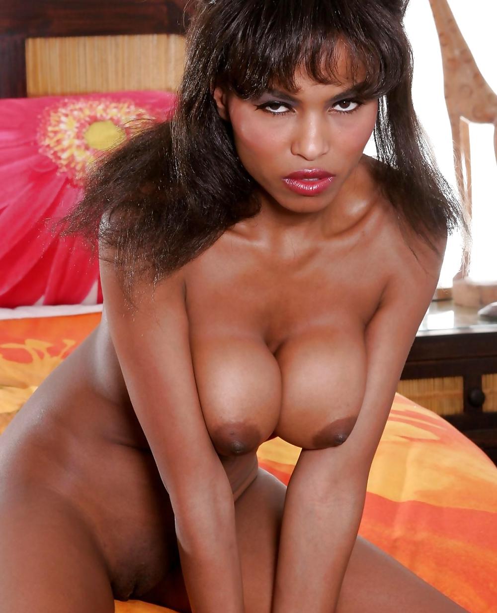 nude Becca bali