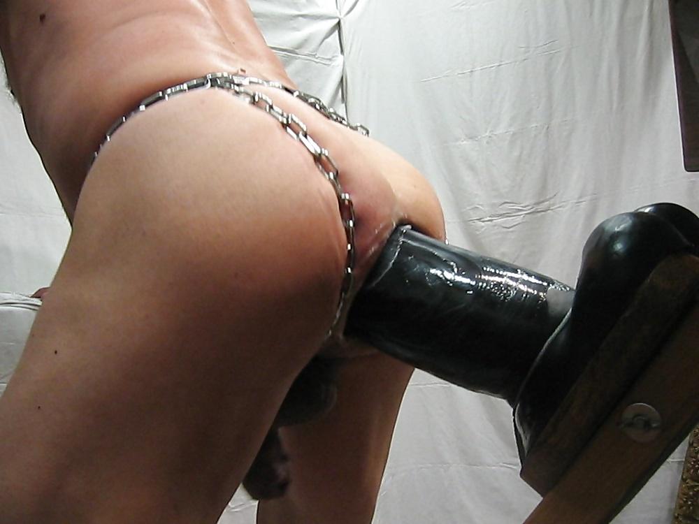 Featured giant dildo porn pics