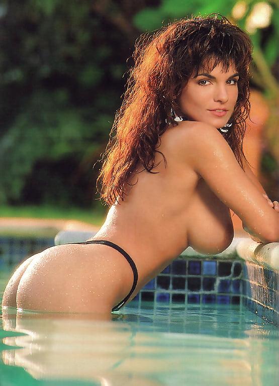 yasmine-bleeth-nude-in-playboy
