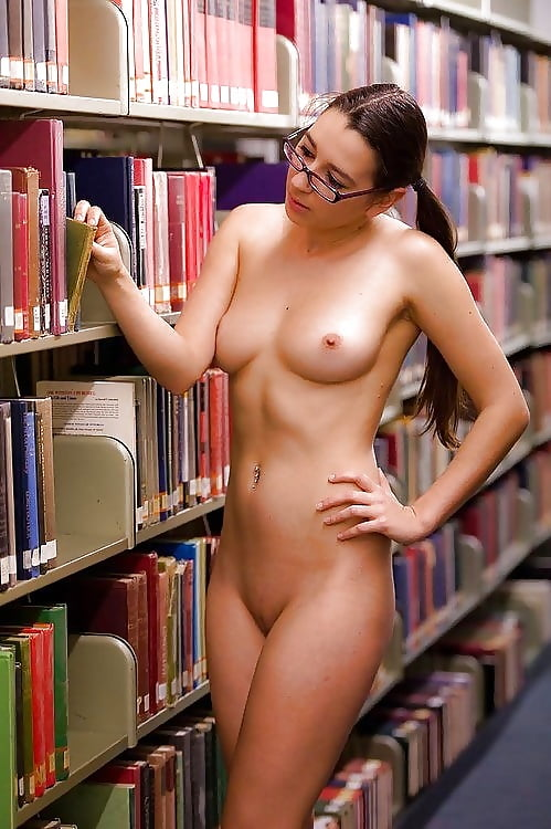 Asian hot and sexy nude school girl with spectacles