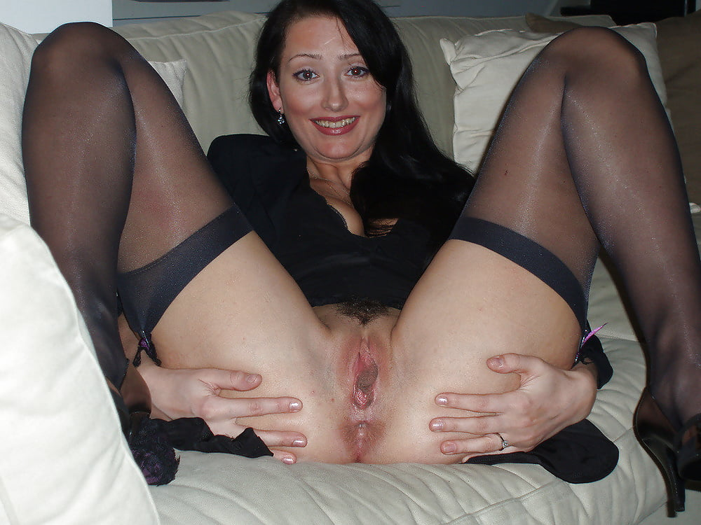 snyal-blondinku-porno-foto-razdvinutie-nogi-zhenshin