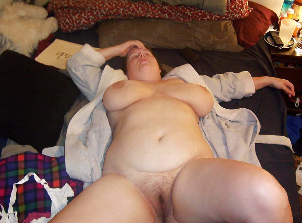 Lick fat naked girl passed out