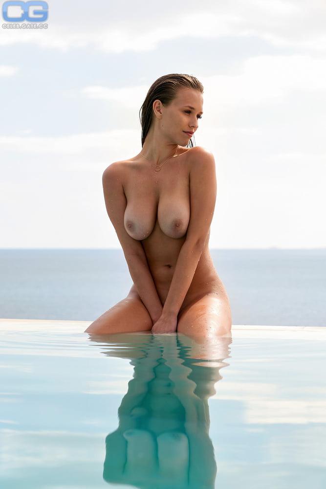 Laura wendler nackt