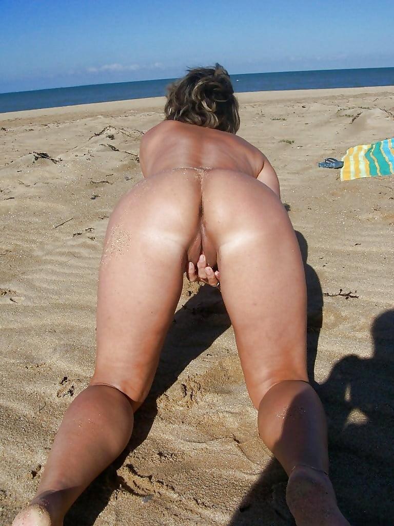 Bbw Matures And Grannies At The Beach 166 - 15 Pics -8769
