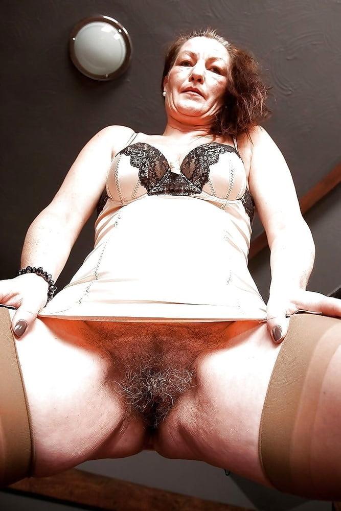 Hairy Blonde Mom Creampie