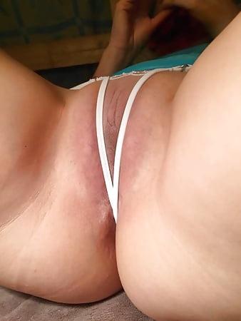 Erotic Pix Male muscle worship and bondage