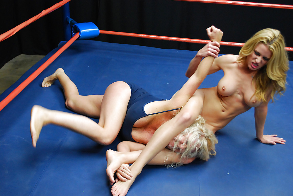 Blondes nude wrestling