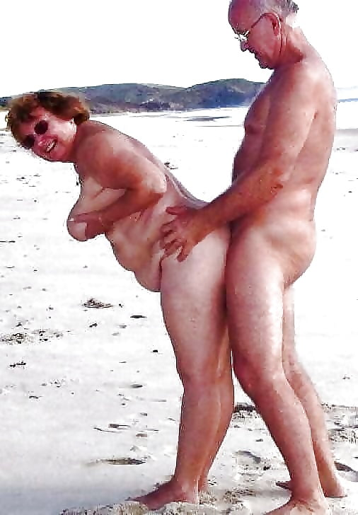 Porn on public beach-4318