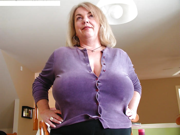 Big tits moms fucking videos — photo 1