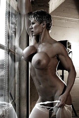 Gay bodybuilder nude