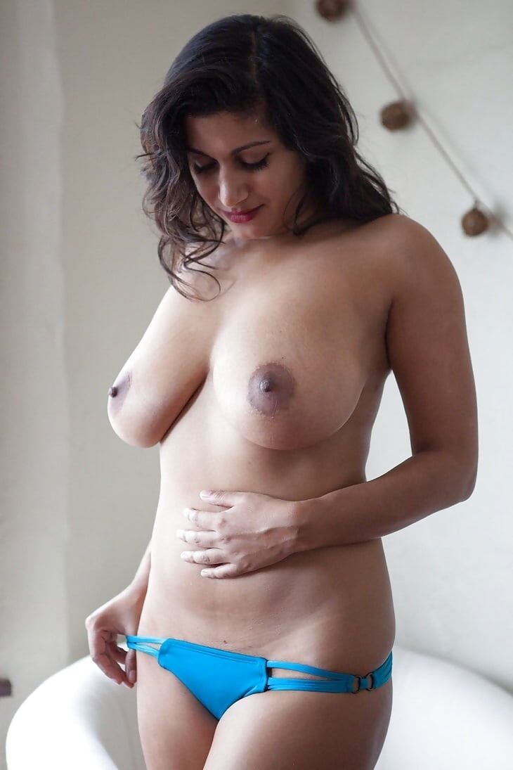 Indian big boobs nude bikini