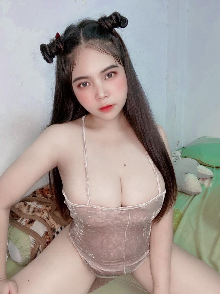 Asian Hot - 9 Pics