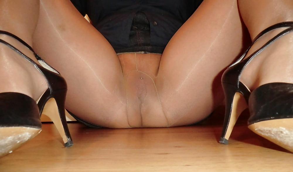 Upskirt High Heels