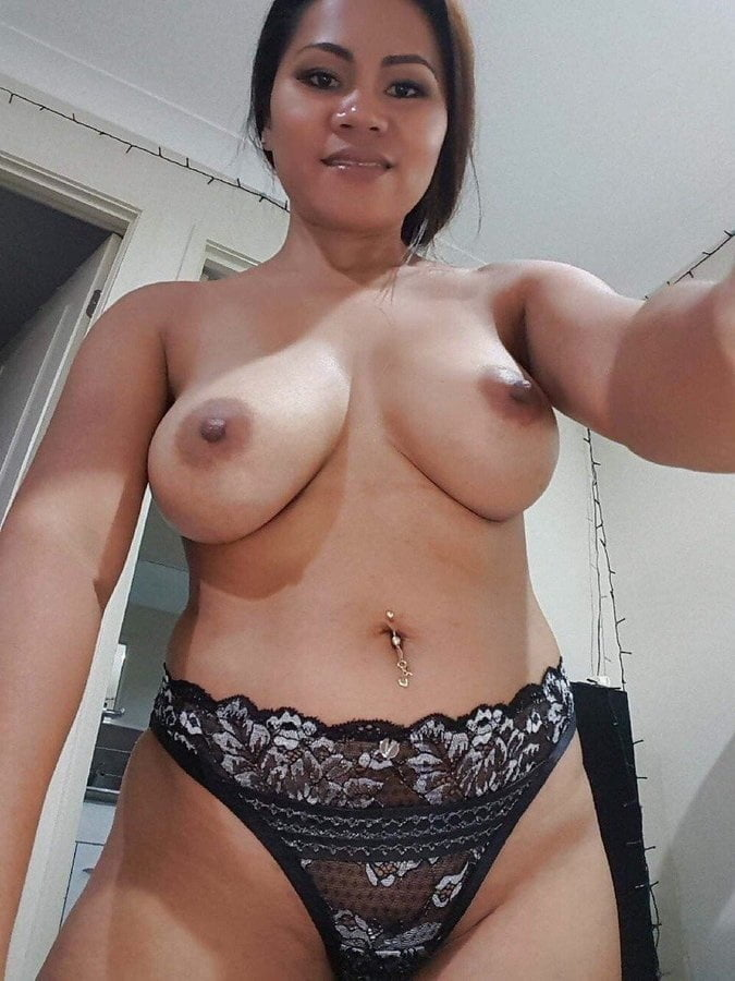 More MILFS To Kill The Time - 118 Pics
