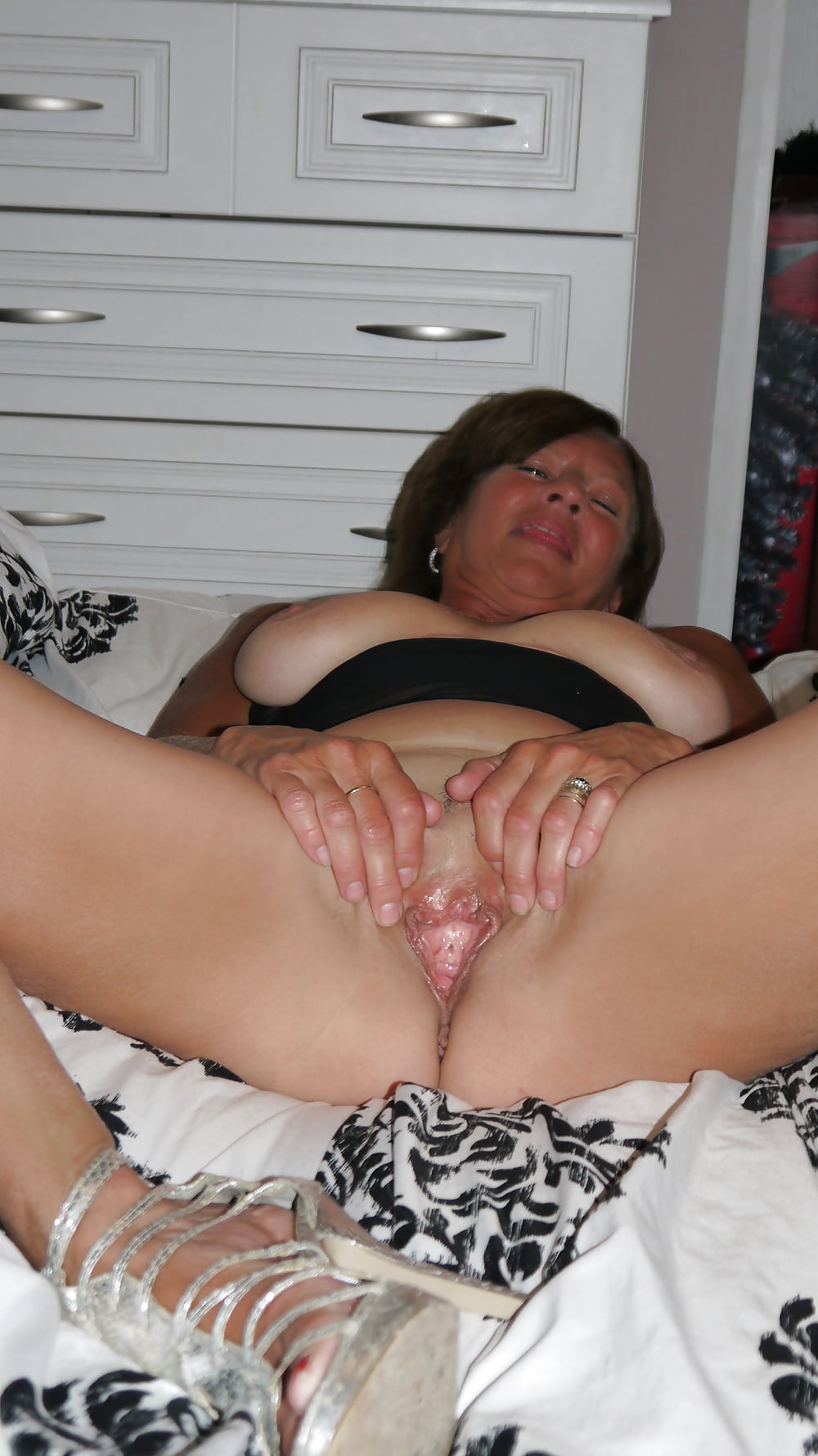 And look at her wet pussy