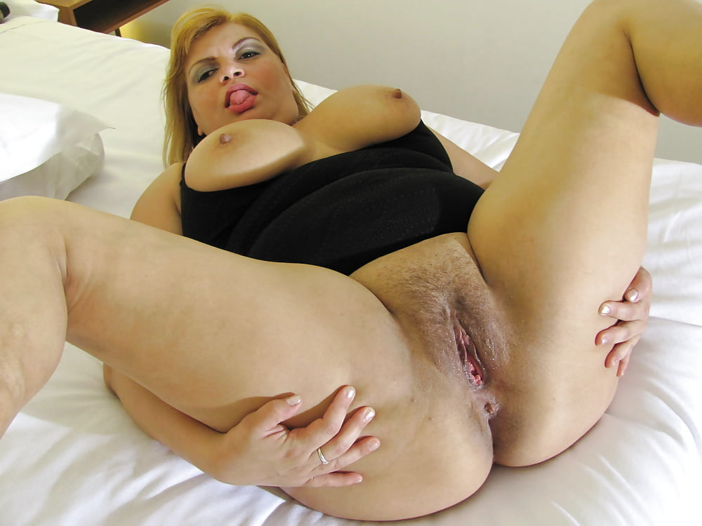 Mature hairy pussy pictures uk
