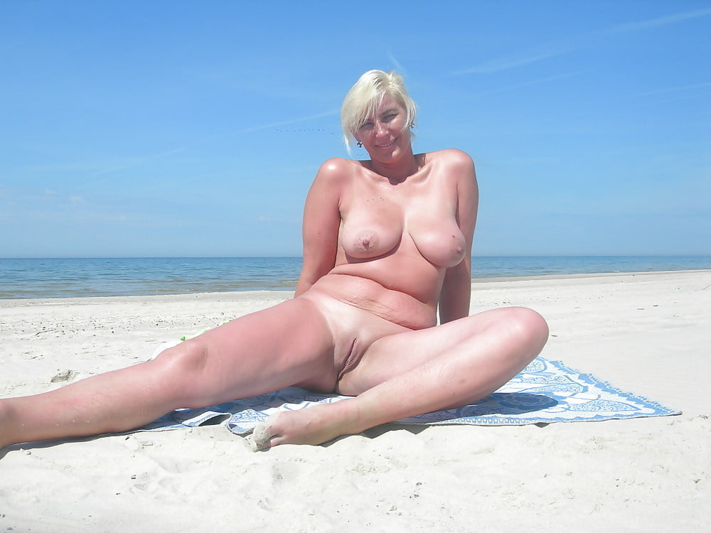 Пляж жирные тетки эротика видео, русская красавица на отдыхе порно