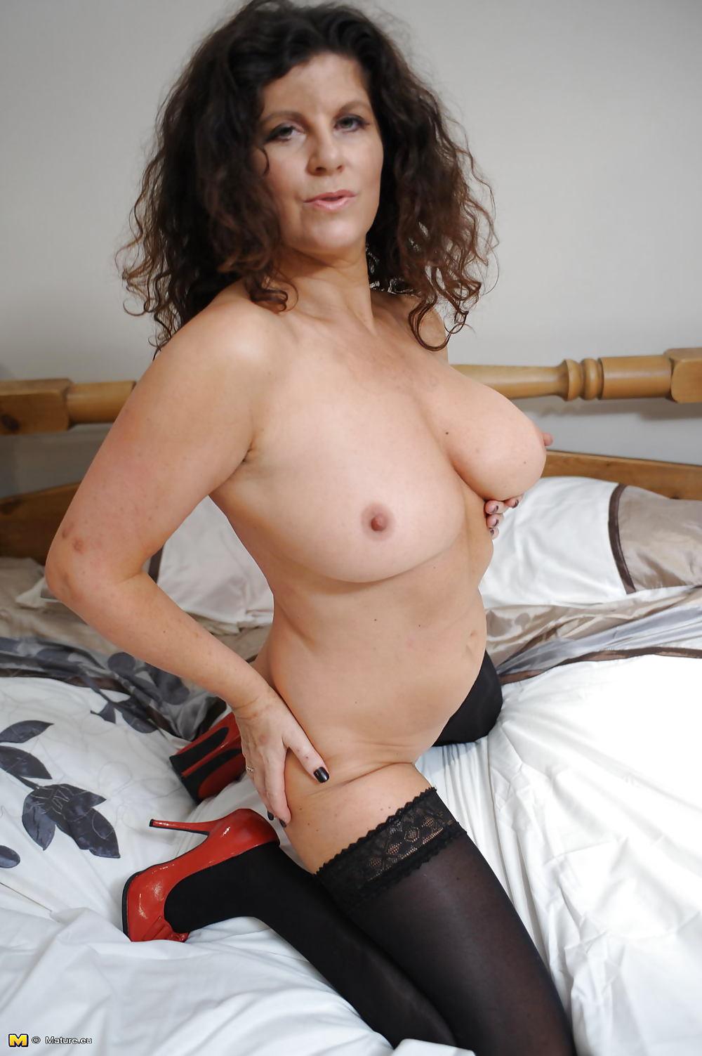 Nude beautiful young-1437