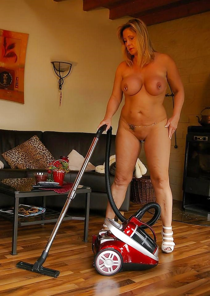 sexy-woman-cleaning-naked-girls