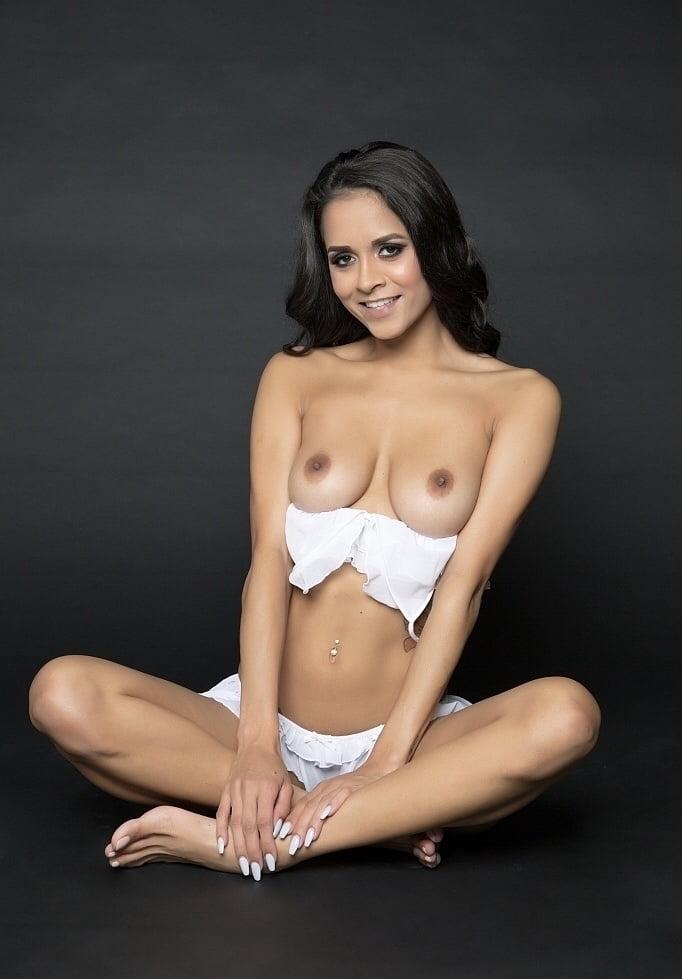 Abby - The Art of Latina - 16 Pics