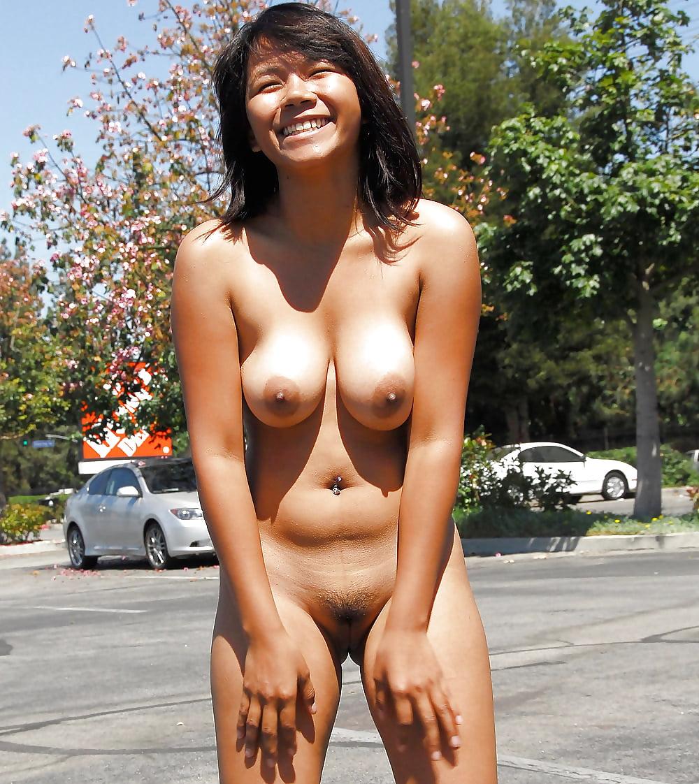 Japanese girls flashing