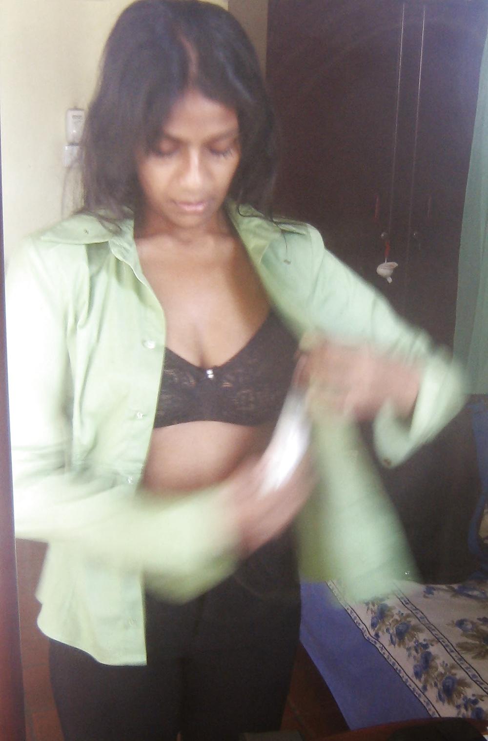 Sri lankan sexy actress upeksha swarnamali hot photos
